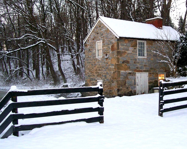 286656693_spring_house_in_winter.jpg